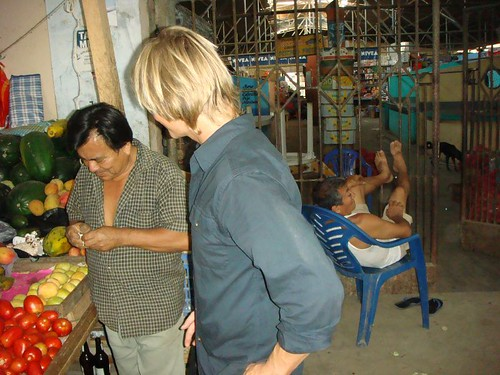 Buying mangos at the local market in Máncora...