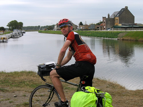 On the Veurne - Brugge Canal