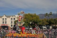 The most contraversial float (sjb5) Tags: california mountains pasadena roseparade mascots newyearsday sangabrielmountains olympicgames tournamentofroses coloradoboulevard oneworldonedream olympicmascots 2008roseparade 119throseparade phoenixdecoratingcompany