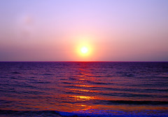 Sea Sunset 2 (Piero Gentili) Tags: sunset sea sun cute landscape nice italia tramonto mare estate shot sony 350 alpha sole picturesque paesaggi salento puglia piero paesaggio sud fiatlux pierpaolo gentili bej sonyalpha tramontosulmare alphasony theunforgettablepictures sonyalpha350 piero20051 pierogentili gentilipiero piero20051piero gentiligentili pierosonyalphasony pierpaologentili gentilipierpaolo colorfullaward