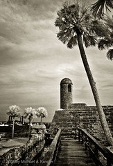 Castillo San Marco (Michael Pancier Photography) Tags: blackwhite florida infrared staugustine fineartphotography naturephotography seor naturephotographer floridaphotographer michaelpancier michaelpancierphotography wwwmichaelpancierphotographycom seorcohiba