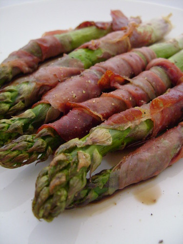 Asparagus Roasted in Parma Ham | Girl Interrupted Eating