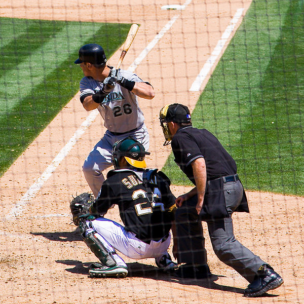 Luis Gonzalez at bat against Oakland