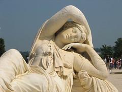 a statue in Versailles gardens (aniarenia) Tags: world paris france heritage statue unesco versailles 2008 sites posg pary francja wersal