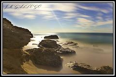 RAYO DE LUNA (J.M GALLEGO-Sevilla) Tags: espaa sevilla luna cadiz nocturnas playas rocas espectaculares jmgallego