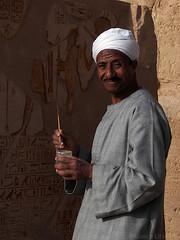 Painting (Puckyireth) Tags: africa portrait painting retrato egypt egipto aswan abu simbel egipte abusimbel retrat pintando asuan pintant travelerphotos puckyireth mnicautjs