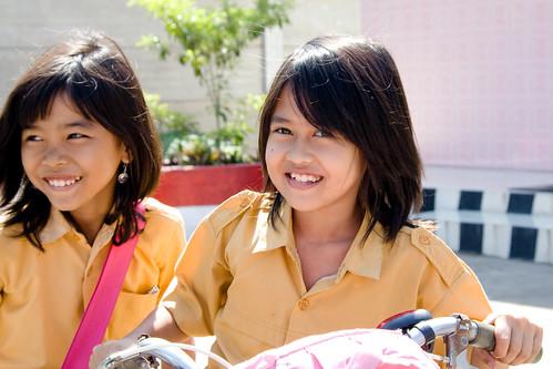 可愛的印尼小學生
