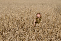 soe m (mioke) Tags: woman nature cornfield hiding moki