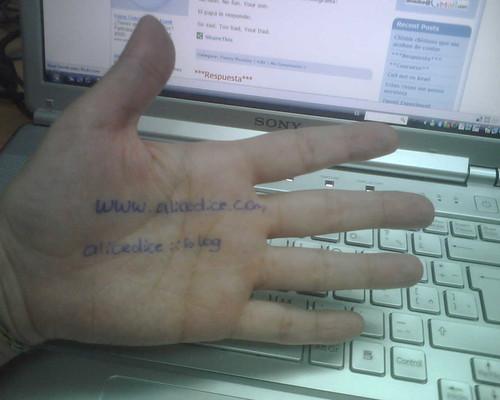 La mano que mece alicedice.com by alicedice.