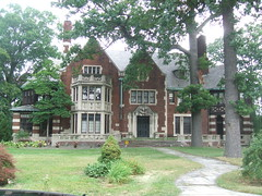 Brick Mansion in the Boston-Edison District, Detroit, Michigan (Dave Garvin) Tags: boston detroit edison mansions