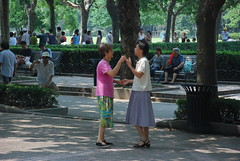tanz tanz tanz (frank schacht / photojournal-worldwide-exklusiv) Tags: china germany frank deutschland amazing shanghai fabulous wilhelmshaven schacht zhongguo fuxingpark frankschacht woaizhongguo