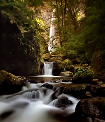 Elowah from below (Matt Abinante) Tags: oregon waterfall pacificnorthwest columbiarivergorge mccordcreek elowahfalls vosplusbellesphotos