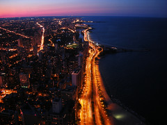 Northern Chicago and the Lake Michigan (Guillaume Boisseau) Tags: longexposure sunset usa chicago public architecture geotagged lights illinois nikon nightshot michigan lakemichigan explore theloop chicagoskyline johnhancockcenter goldcoast photodenuit p1f1 picturefantastic guillaumeboisseau gnneniyisithebestofday alemdagqualityonlyclub nikonflickraward coolpixs510 geo:lat=41898779 geo:lon=8762309 nikonflickraward50mostinteresting