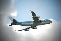 KLM (stfnvd) Tags: sky amsterdam clouds plane nikon d70 wolken klm lucht 18200 vr dx betterthangood viegtuig