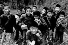 黑白童年-放學了
