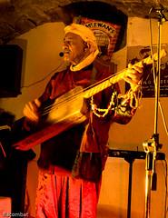 20081114-DSC07977 Gnawa Abdelatif el'Maksoumi (Frdric Lacombat) Tags: music concert maroc marocco lepuyenvelay auvergne musique hauteloire sonyalpha goldstaraward fredericlacombat flacombat gnawaabdelatifelmaksoumi