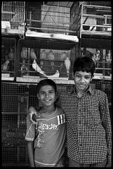 Inde (Bryan Duplus) Tags: life street leica family portrait people blackandwhite bw india white art love beauty portraits children photography 50mm photo nice noir noiretblanc picture rangefinder social nb human instant straight popular enfant vu blanc canonet cartierbresson magnum inde humanist doisneau ackerman instantane depardon humanisme archerzen
