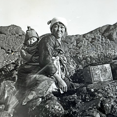 Korean Mother and Baby (dok1) Tags: korea 1945 dok1 koreanpeople