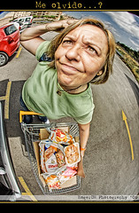 Me olvido...? (Roger costa) Tags: photoshop mujer parking super fisheye mercado carro bolsa retouch davehill compra retoque ojodepez procesado sigma8mm canoneos50d rogercm rogercosta rogercostamorera rugercmgmailcom