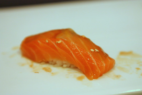 Sake (Salmon with Thin White Kelp)