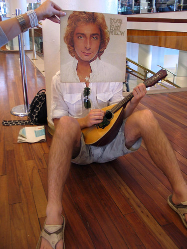 Barry Manilow by Hide and Seek Sleeveface.