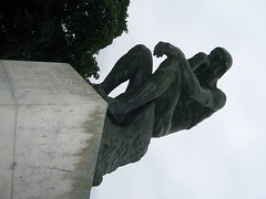 100_1060 (Carly Klein) Tags: statue gardens rodin museerodin