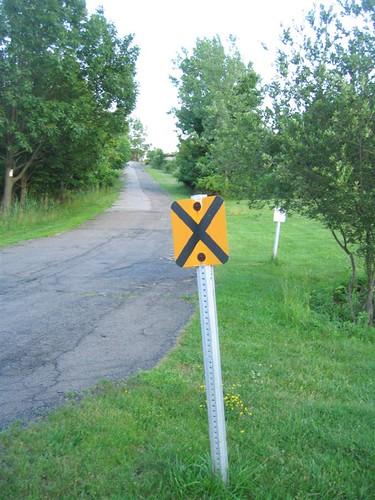 No heavy trucks sign