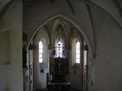 2003-05-03 Haag, Alttting, Burghausen, Chiemsee 051 (Allie_Caulfield) Tags: 2003 church bayern bavaria photo highresolution flickr foto image gothic oberbayern picture free kirche cc mai creativecommons bild altstadt innenstadt frhling gotik stockphoto burghausen kapelle gotisch stadtkern burgkapelle