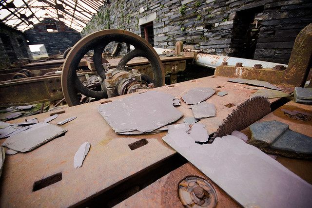 Dinorwic-89 Saw table in Australia mill (by Ben Cooper)