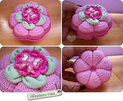 Alfineteiro Rosa (Sugar'drop ) Tags: colours handmade crochet colorido croche croch alfineteiro