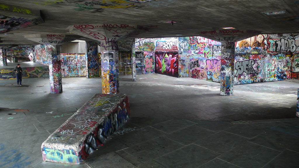 South of the Thames and the Graffitti Grotto 007