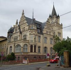 MLU house, Muehlweg, Halle July 2008 (stilo95hp) Tags: architecture hallesaale saxonyanhalt mlu bezirkhalle