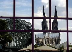 Colonia - Surrealismo (Xver) Tags: germany deutschland reflex europa spiegel kln espejo reflejo alemania colonia surrealismo nikond40