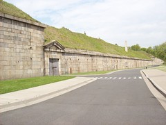 Fort Tompkins (22nyharborparks) Tags: park nyc bridge usa ny water america harbor boat nationalpark weed war fort military battery guns statenisland overlook narrows tompkins cannons wadsworth verrazanonarrowsbridge verrazano newyorkharbor nyharbor fortwadsworth fortcomplex earthmound harbordefense forttompkins