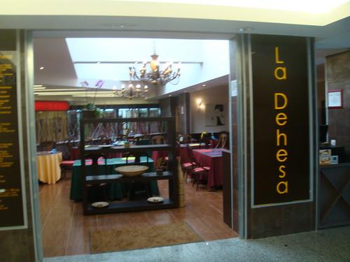 Restaurante La Dehesa - Sexta Avenida - Entrada al restaurante