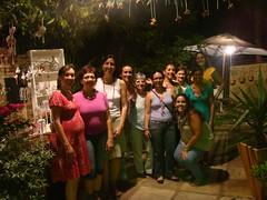 A turma toda reunida... (Ludi - Lucia Dias) Tags: feira bazar gardensale