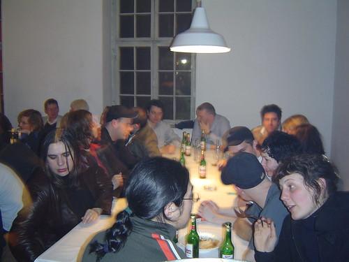 Erste Freitagsküche in der Oskar von Millerstr. 16. März 2004 --- oskar-ess01745