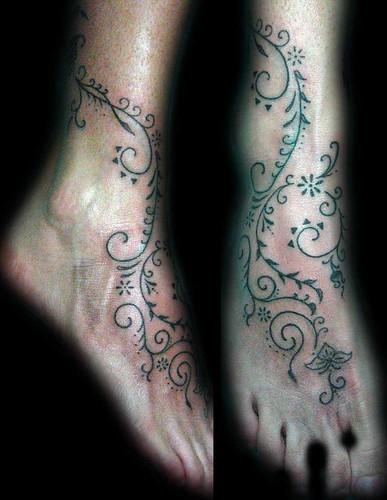 tattoo estrellas. Tatuaje en el pié, Pupa tattoo
