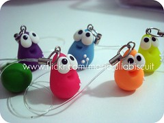 Pingentes (Alane • maria julia biscuit) Tags: cores handmade artesanato artesanal biscuit fofo cor porcelana porcelanafria feitoamao
