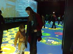 Epidemik (Andrea in Amsterdam) Tags: game paris exhibition sciences multiplayer cite projections epidemics epidemik