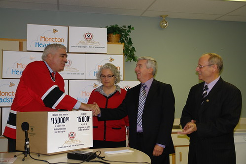 Headstart cheque presentation with Kevin T. Boyce, President and CEO, Molson