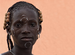 Rites et Traditions... (Laurent.Rappa) Tags: voyage africa travel portrait people face women retrato femme tribal tradition ritratti ritratto ctedivoire peuple afrique baoul laurentrappa