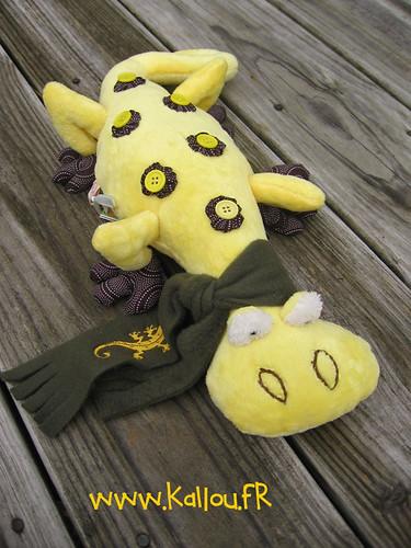 Nabou - stuffed animal lizard