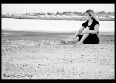 Sesin: Fotografas fotografiadas (Eva Samaniego) Tags: espaa spain eva huelva bn silvia sesion fabrica evasamaniego