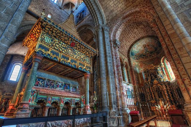 Interior St. Vincent's Basilica – Basílica de San Vicente, Ávila, HDR