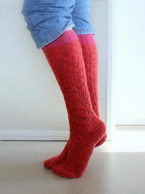 Undulating Rib Socks modified to knee-high version by Vilman