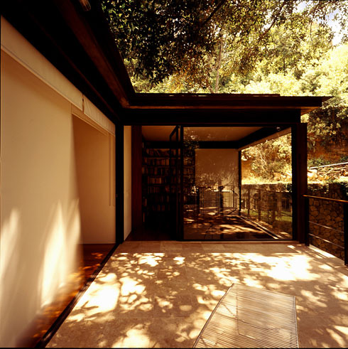 Casa Aquino by Augusto Fernandez Mas