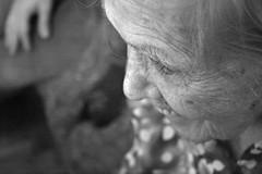 La suma de la vida (Analía Acerbo Arte) Tags: abuela vida sonrisa palmira años arrugas