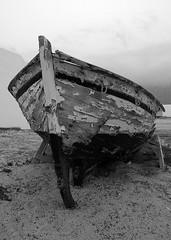 Barca (CaCuMu) Tags: sky espaa coast boat spain sand barco arena cielo canaryislands islascanarias lagraciosa pentaxk10d tamronaf18250mmf3563diiildasphericalifmacro jediphotographer