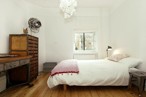 Modern Bedroom decorating Interiors